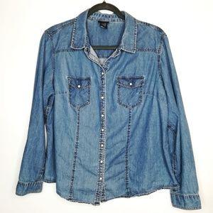 Torrid Denim Shirt Vintage Wash Snap Size 0 12 L